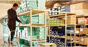 3-Ways-to-Control-Inventory-and-Warehousing-to-Optimize-Your-Retail-Operations.png